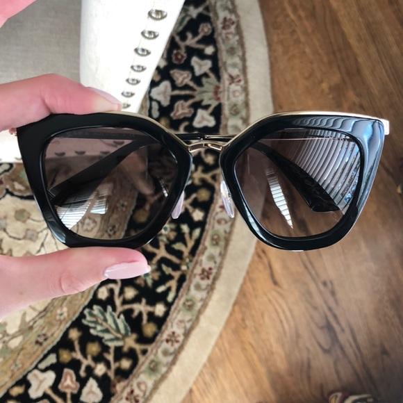 b21ee5545d Prada PR 53SS Sunglasses. M 5b26cb914ab633172be0bcfa